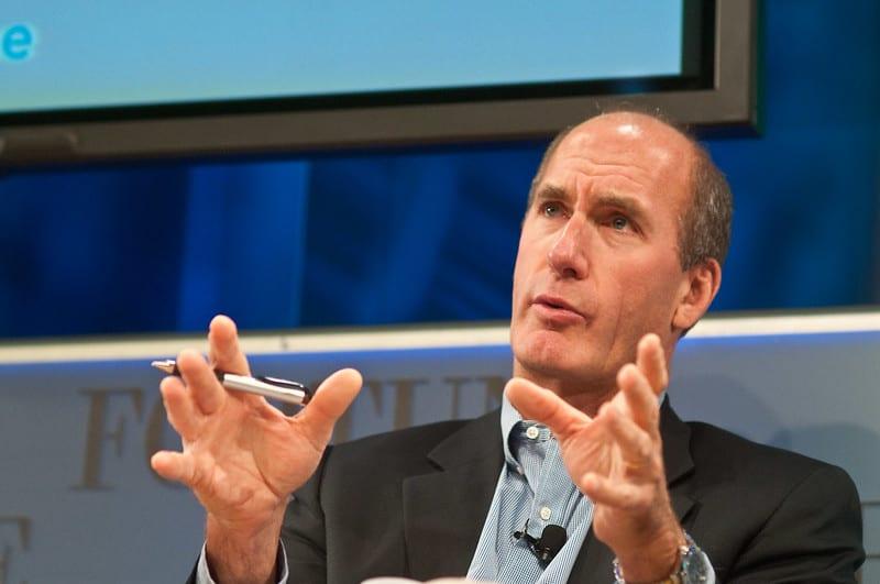 """ג'ון סטנקי, מנכ""""ל AT&T"""
