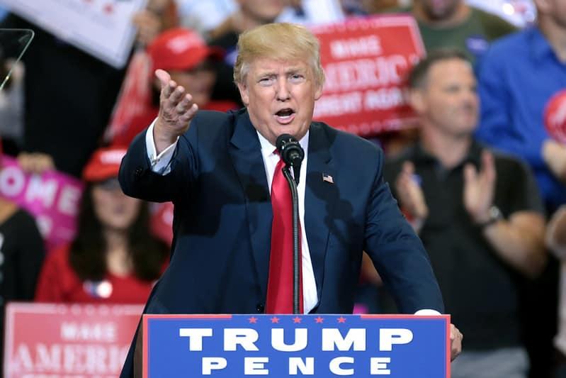 יש הטוענים כי המחסור בשבבים התחיל בתקופת נשיאותו של דונלד טראמפ