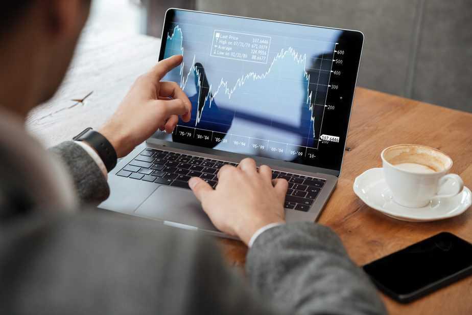 סינון השקעות היא פעילות שימושית מאוד בעולם שוק ההון והיא בדרך כלל מבוצעת על ידי משקיעים פרטיים ומקצועיים כאחד