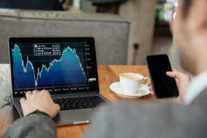 השקעה במניות דיבידנד מאפשרת למשקיע ליהנות מכל העולמות