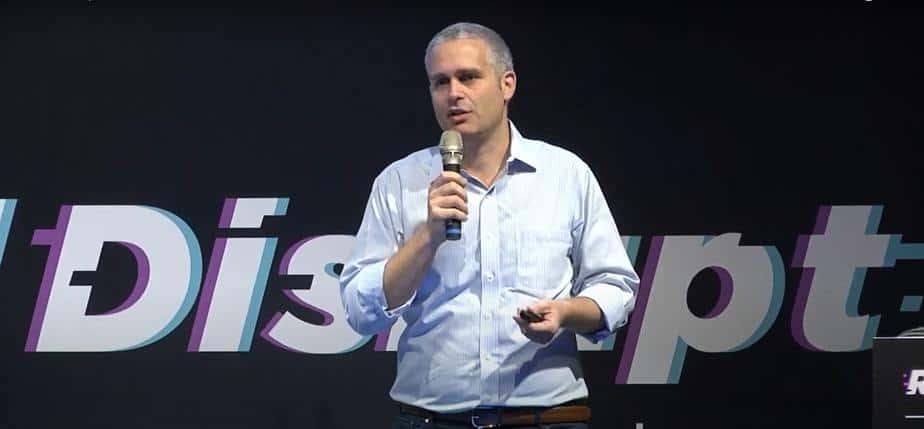 """אמיר שלכט, מנכ""""ל גלובל-אי אונליין הנסחרת בשווי של 10 מיליארד דולר"""