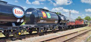 נפט גולמי מובל ברכבת